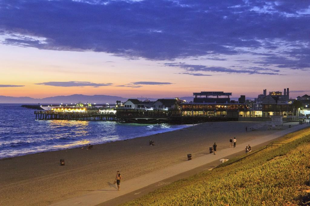 Redondo-Beach-Pier-Beach Scene